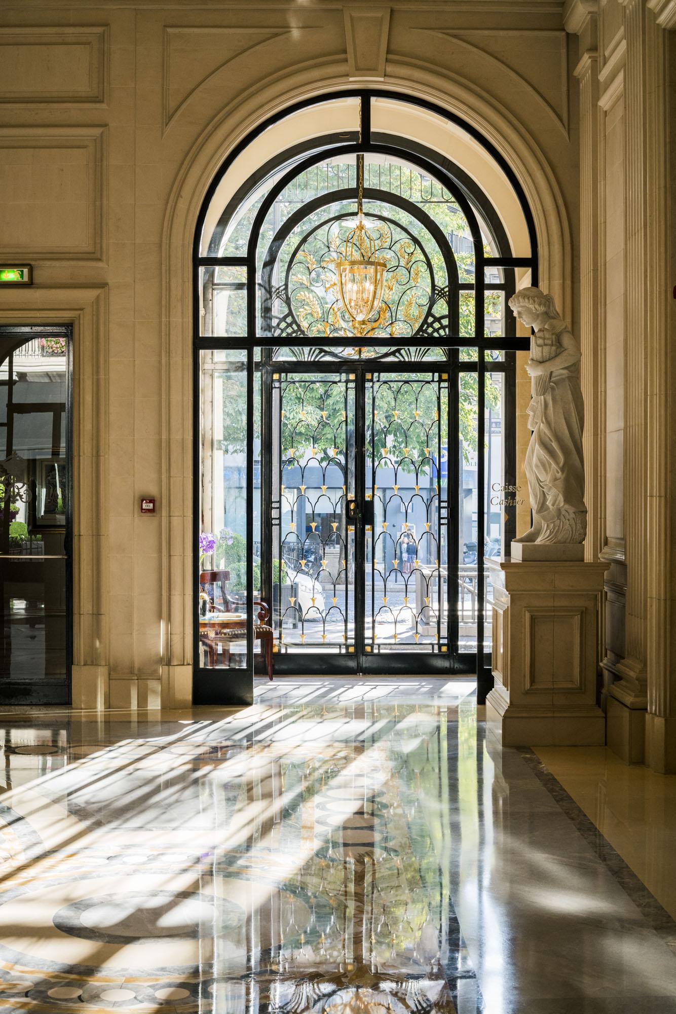 four_seasons_hotel_george_v_paris_029