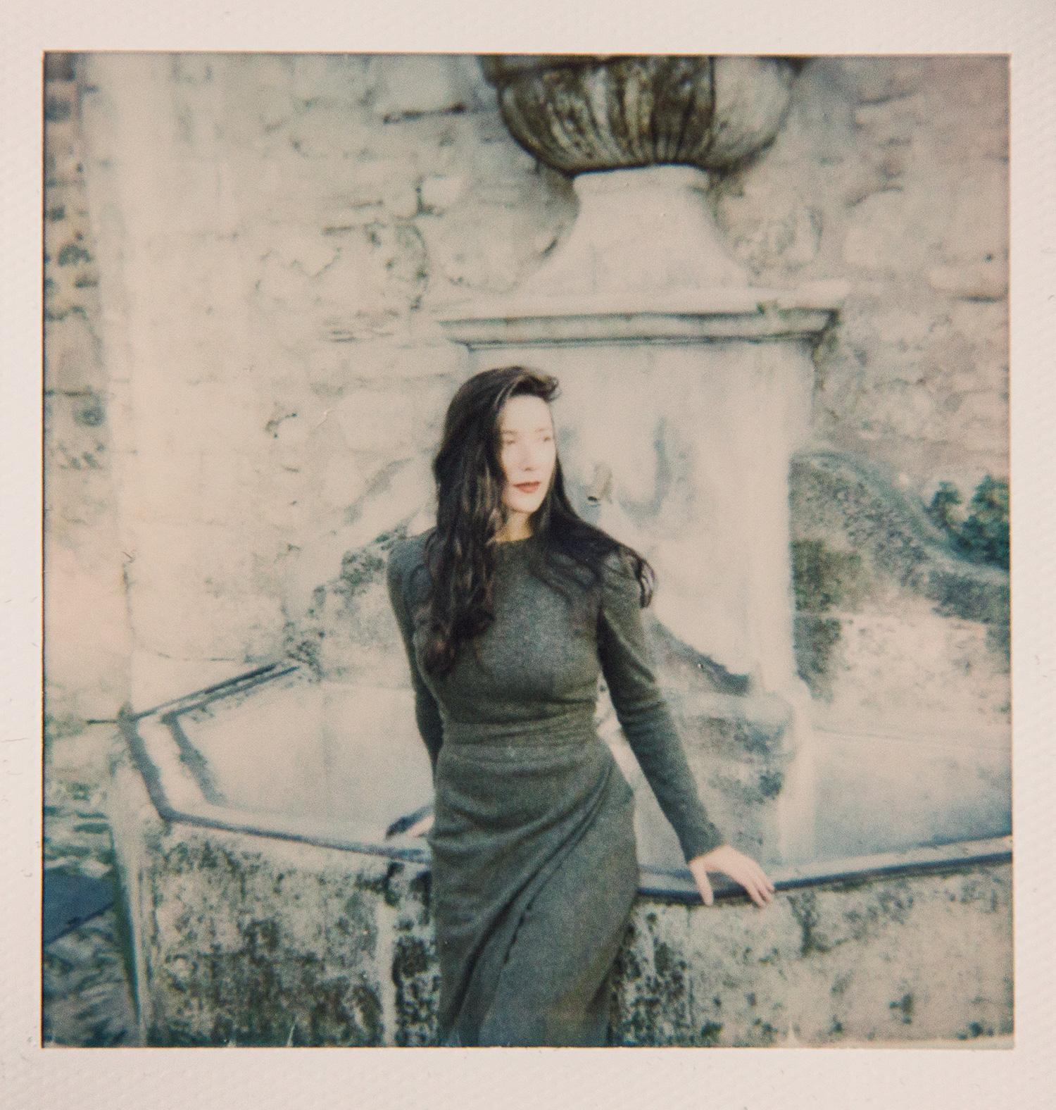 Testing the new I-1 analog camera by Impossible Projects